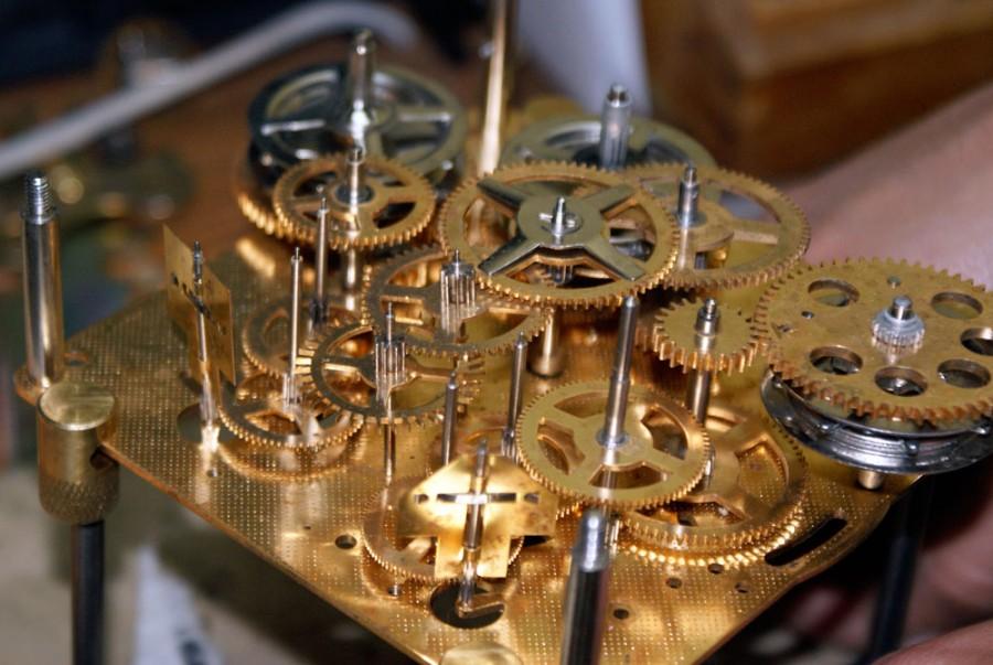 Klok Reparatie Of Onderhoud Vakmanschap Bij Klokkenmaker